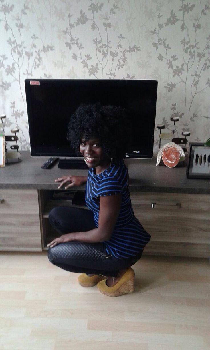 Ik ben Vanessa ik ben 28 jaar oud woon in Almere met mijn 2 zoontjes van 7 en 3 jaar oud. in mijn moodboard vertel ik  je ook een beetje over mijzelf waar ik vandaan kom mijn leveling eten enz