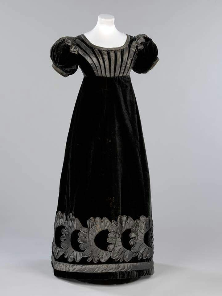 1820. Possibly mourning dress.