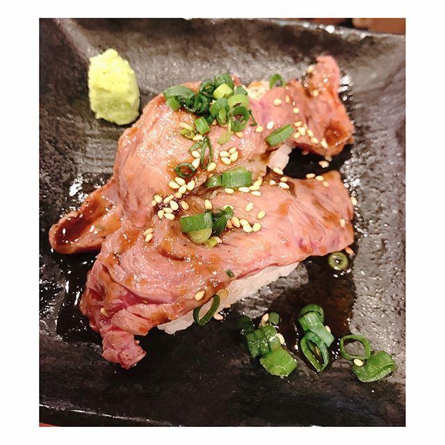 #ブリスケ #タン下 #タン元 #カルビ #肉 #お肉の写真撮ると怒る人 #お肉 #おにく #分厚いお肉 #立ち食い焼肉次郎丸 #りりログ ★★★☆☆
