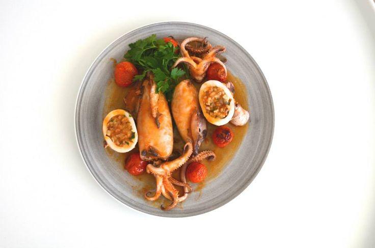 Το γεμιστό καλαμάρι του Μπενέτου #Filled #Squids #Gastronomy