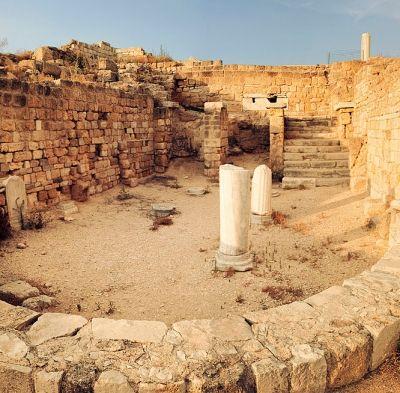Canne della Battaglia è un' antica città romana celebre per la battaglia tra romani e cartaginesi.