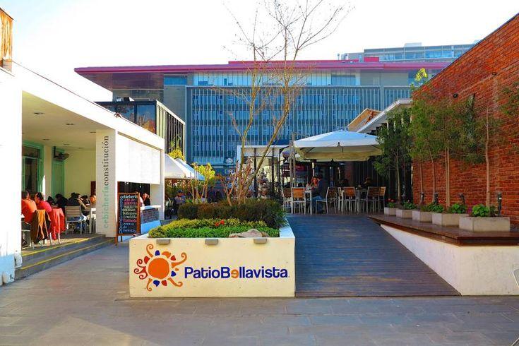 """<strong>9. <a href=""""http://viajeaqui.abril.com.br/estabelecimentos/chile-santiago-atracao-patio-bellavista"""" rel=""""Patio Bellavista"""" target=""""_blank"""">Patio Bellavista</a></strong>    O bairro de Bellavista está para Santiago como a Vila Madalena está para São Paulo: é lá que o turista pode encontrar botecos descolados para curtir à noite e interessantes restaurantes para passar o almoço"""