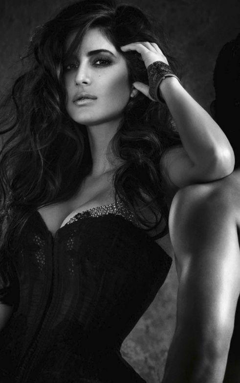 ♥ Katrina Kaif http://hd24songs.blogspot.com/2014/01/dhoom-3.html