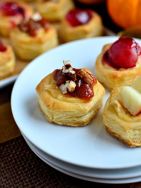 Baked Brie Bites http://www.ivillage.com/easy-and-elegant-dinner-party-recipes-non-cooks/3-a-562584