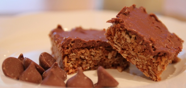 Oaty Chews: Yummy toasted oats and coconut bars. Plain or Chocolate? #SouthAfrican #Crunchies #OatmealCookies
