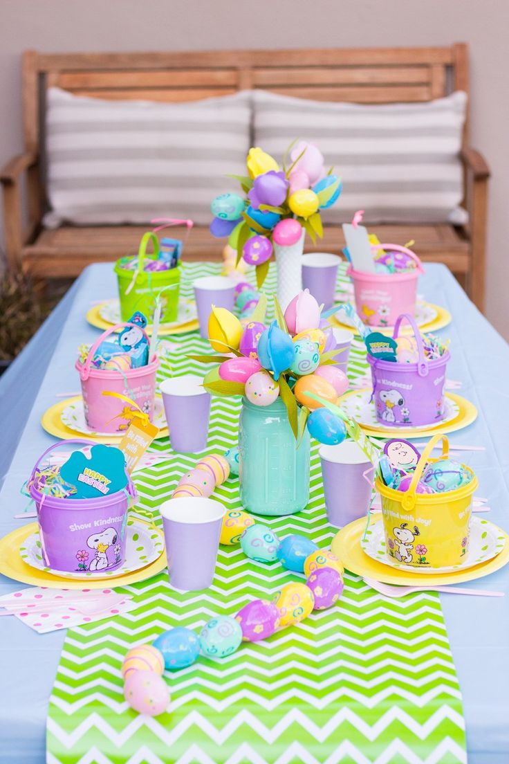 Kids Simple And Colorful Table Decorations For Easter