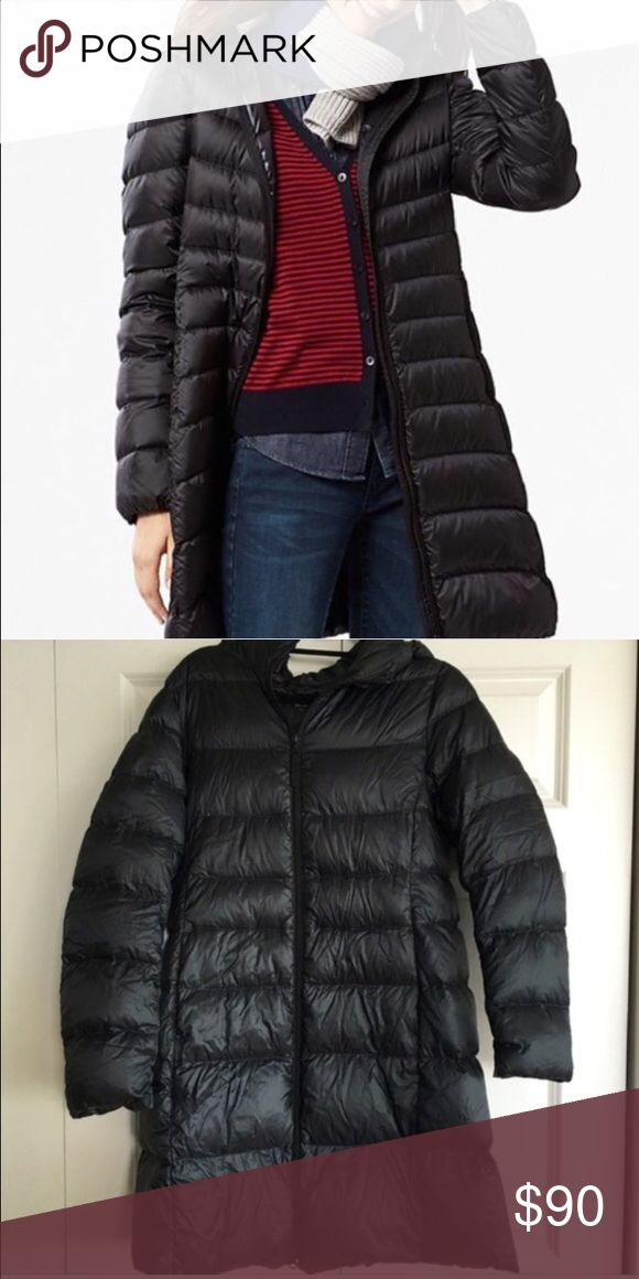 Uniqlo Packable Down Coat size Large Beautiful Uniqlo coat in a size large. Wrinkles come out when worn. I've only worn it a few times because I have two other down coats so I am just looking to sell this one. Make an offer(: Uniqlo Jackets & Coats Puffers