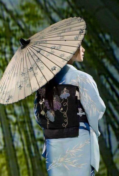 geisha girl massage walk on back