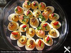 Gefüllte Eier, ein raffiniertes Rezept aus der Kategorie Kalt. Bewertungen: 106. Durchschnitt: Ø 4,5.