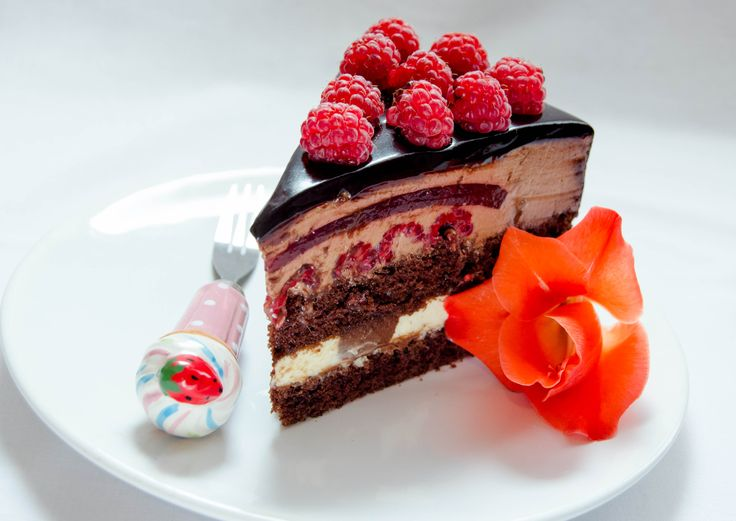 17 best images about mirror glaze on pinterest chocolate for Raspberry miroir