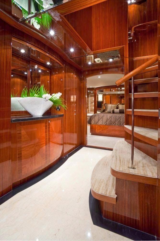 100 ft Raised Pilothouse Motor Yacht