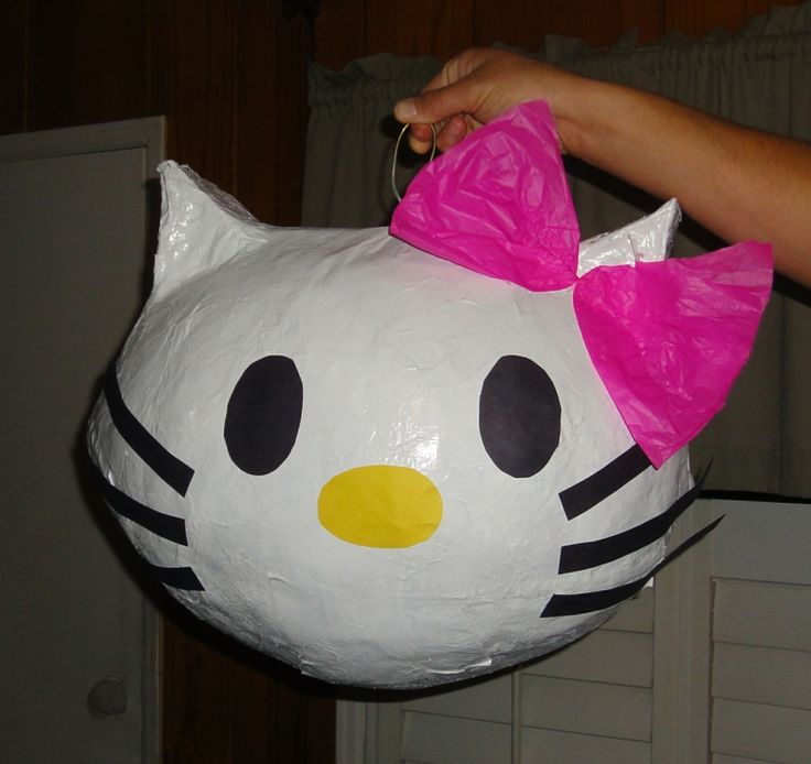 laterne-basteln-hello-kitty-luftballon-idee-laternenumzug-kinder-mädchen-schleife