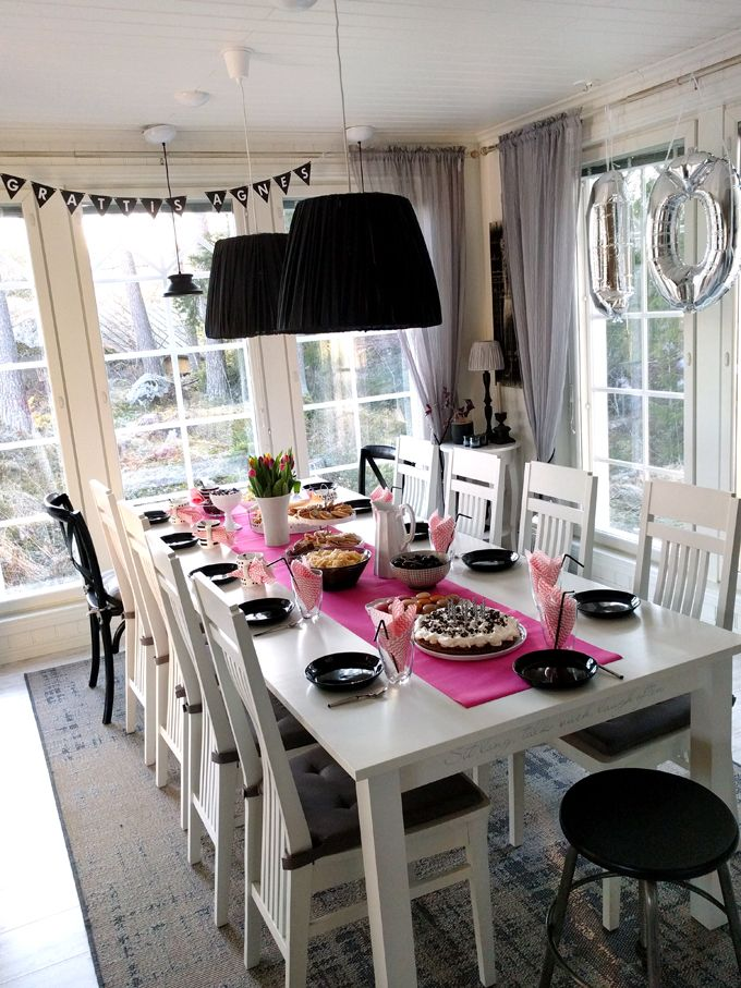 Pink table setting birthday party folio balloons