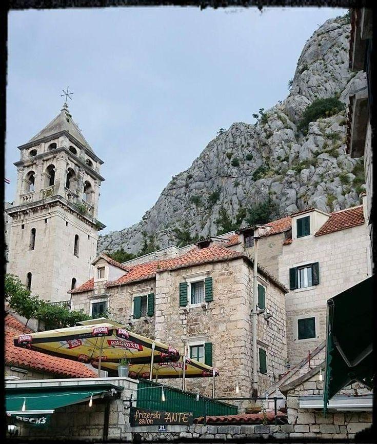 Stadt Omis in Kroatien  #insekten #garten #foto #fotografie #stadt # – # –