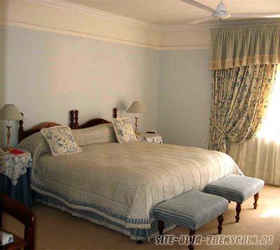 Матовые обои в интерьере спальни.