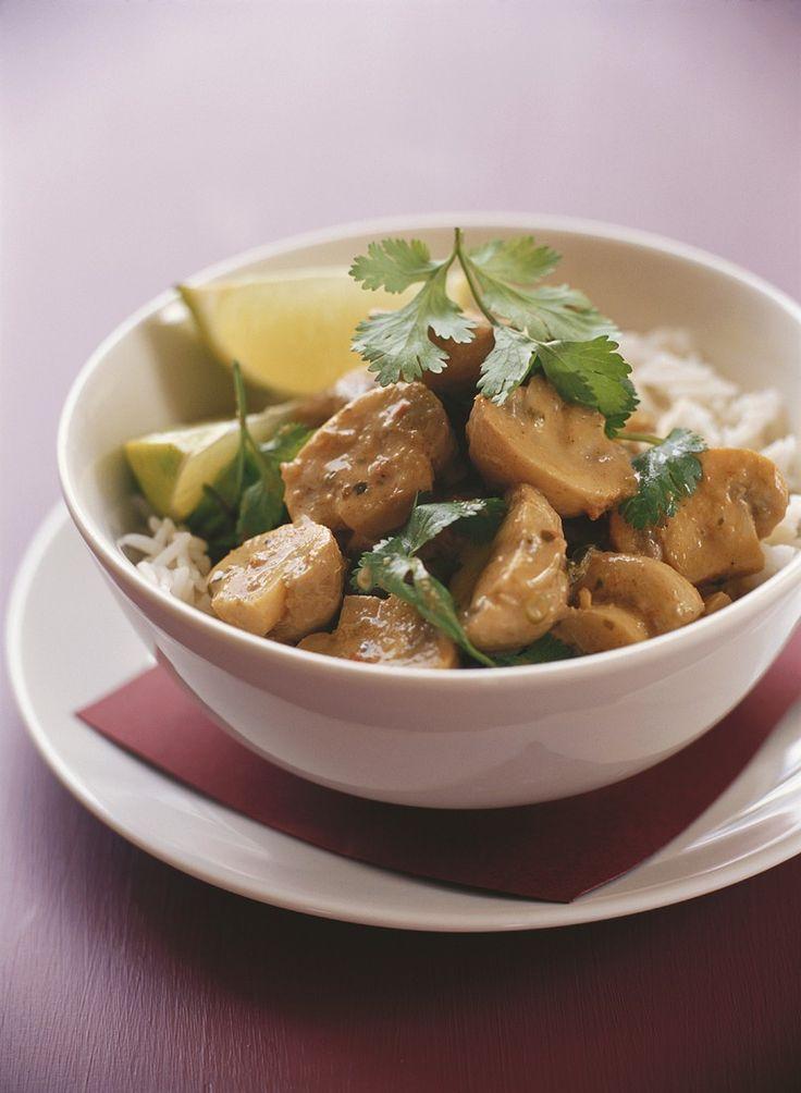 Kokos-Champignons auf Reis | Zeit: 25 Min. | http://eatsmarter.de/rezepte/kokos-champignons-auf-reis