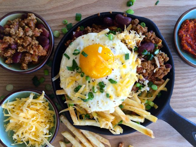 Chilli Con Carne With Egg And Fries