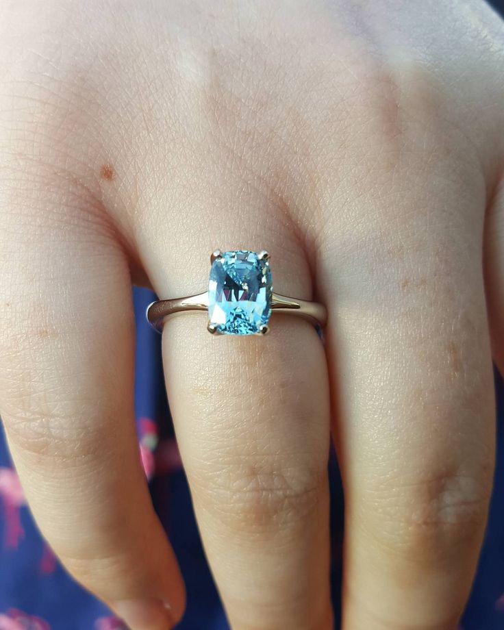 #goodwoodrevival #ring Chris actually set and finished this Aquamarine at the Revival meeting this weekend. Plenty of people visited us and watched him working on it #smashing #aquamarine #platinum #prettythings