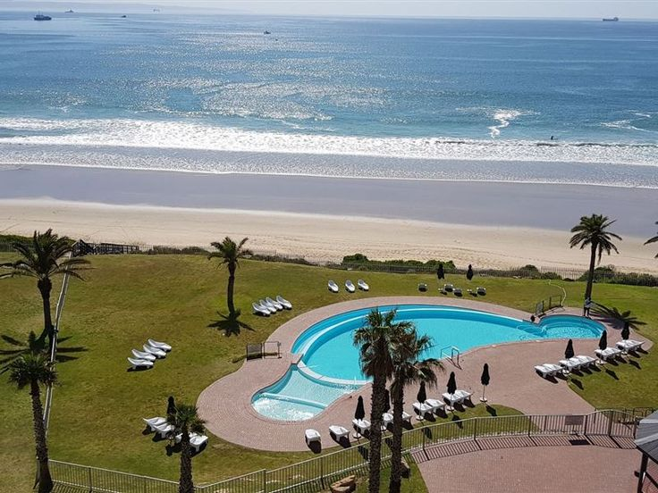 Diaz Beach Club 602 - This is a brand new, luxurious, two-bedroom self-catering apartment in the stunning Beach Club secure complex. It is right on a safe swimming / surfing beach, with beautiful beach- sea views of Diaz and ... #weekendgetaways #mosselbay #gardenroute #southafrica