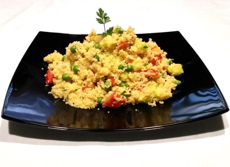 Ecco un' altra ricetta da buffet, ma non solo. Infatti il couscous tonno e verdure non solo è un buonissimo piatto da utilizzare per arricchire un buffet...