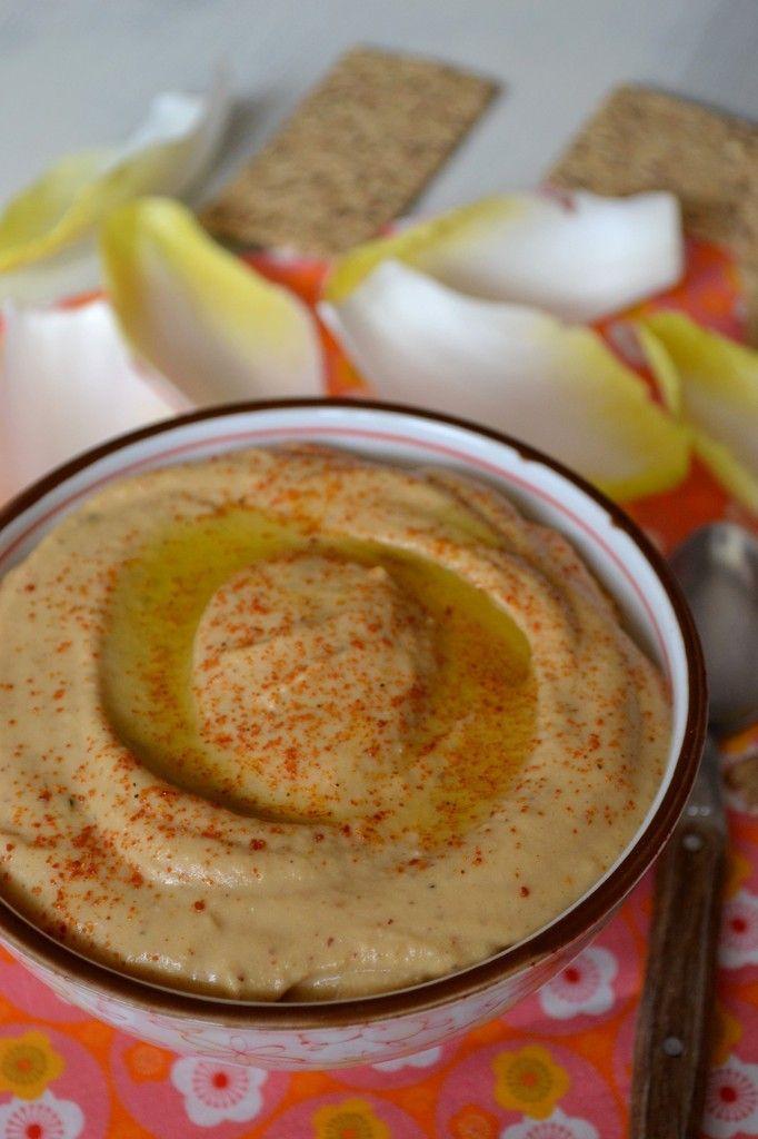 Mi janvier, Manue l'auteur du blog &hum ça sent bon& publiait une recette de tartinade aux lentilles corail et tomates séchées. En voyant sa recette et ses photos, j'ai littéralement flashé sur cette tartinade. Et pour dire, je l'ai réalisé déjà 2 fois....