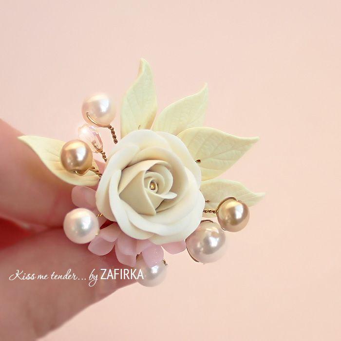Кольцо с цветами и жемчугом