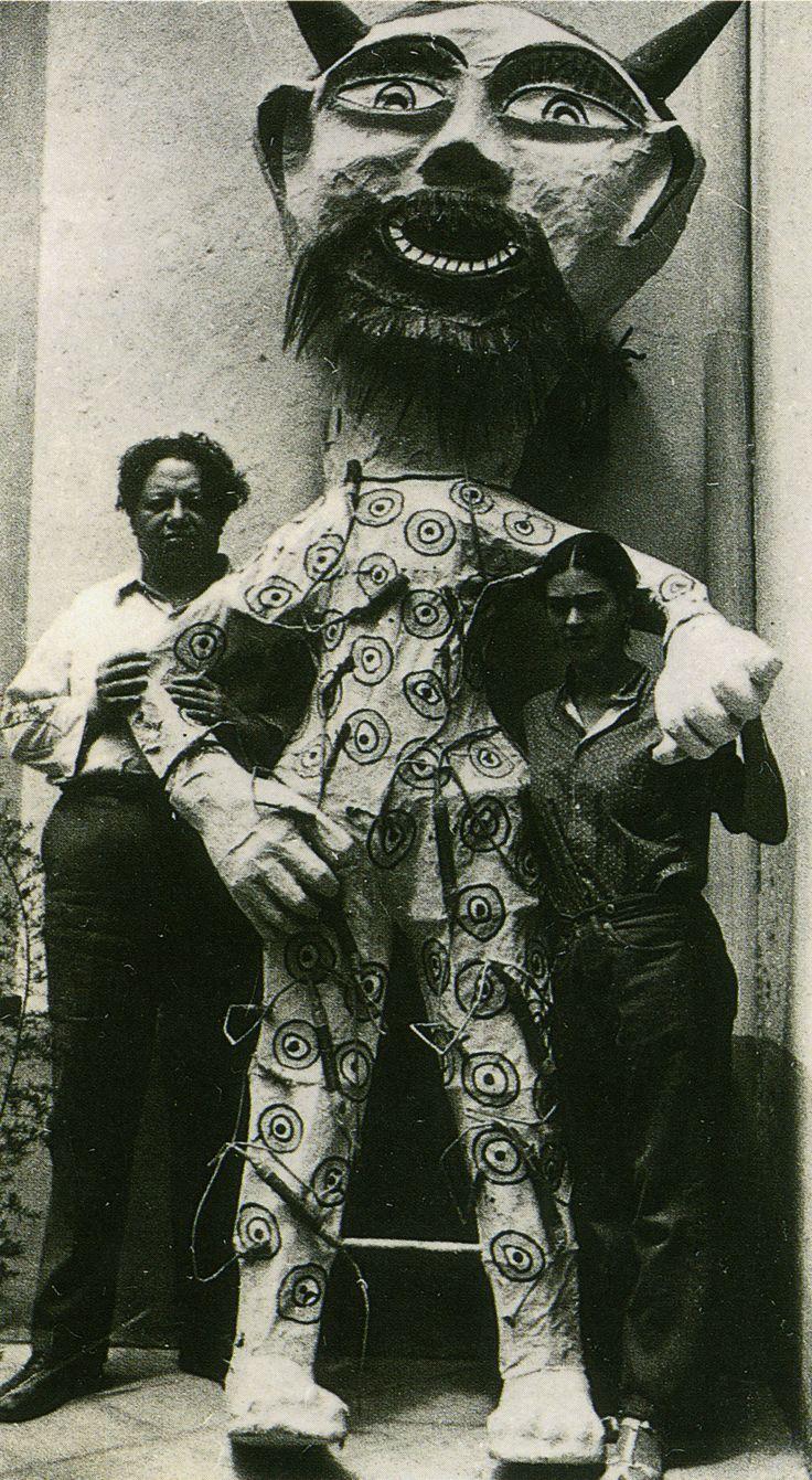 Rivera, Kahlo et Judas (papier mâché)