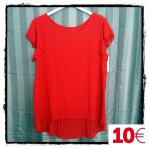 Blusa lisa roja espalda tablas