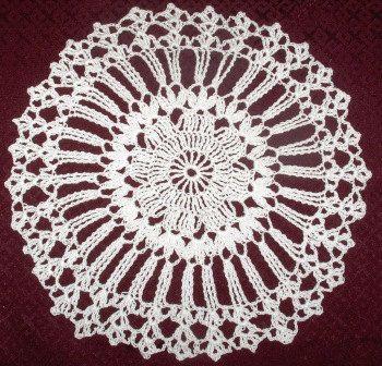 White crochet doily, crochet doily, table cloth,lace doily, round doily, handmade, home decor by Hildescrochetshop on Etsy