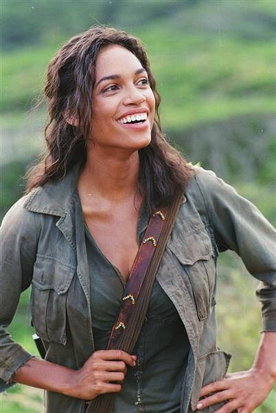 Rosario Dawson as Mariana in The Rundown