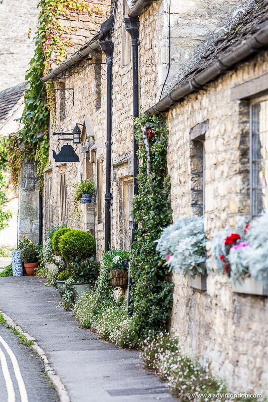 Castle Combe ist eines der schönsten Dörfer von Cotswolds in Wiltshire, England