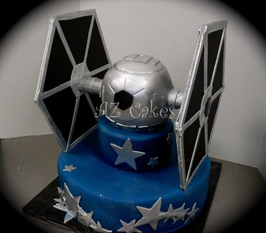 Star Wars Tie Fighter cake