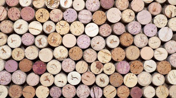 Alles was Sie über Die Unterschiede zwischen Wein, Bio-Wein und Garagenwein. . zu wissen brauchen. Loggen Sie sich ein für mehr.