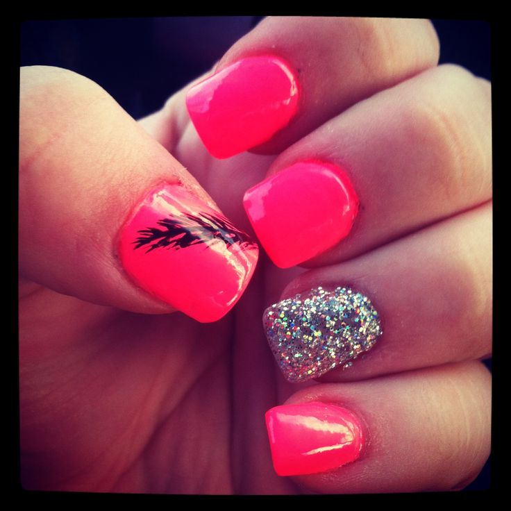 Feather nails with sparkle