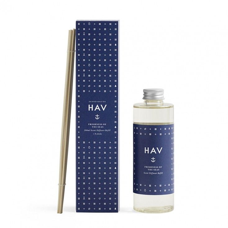 Skandinavisk Scent Diffuser Refill - Hav (Sea)  Skandinavisk scent diffusers bring subtle and stable fragrance to your home for weeks on end. This Skandinavisk diffuser refill will bring new life to your HAV scent diffuser bottle. A brand new set of reed sticks is also included.  HAV [HOW], Scandinavian for sea. The endless coastlines of Scandinavia are surrounded by the cold waters of the North Atlantic, Baltic and Arctic seas. Infused with notes of water flora, driftwood, sea froth and…