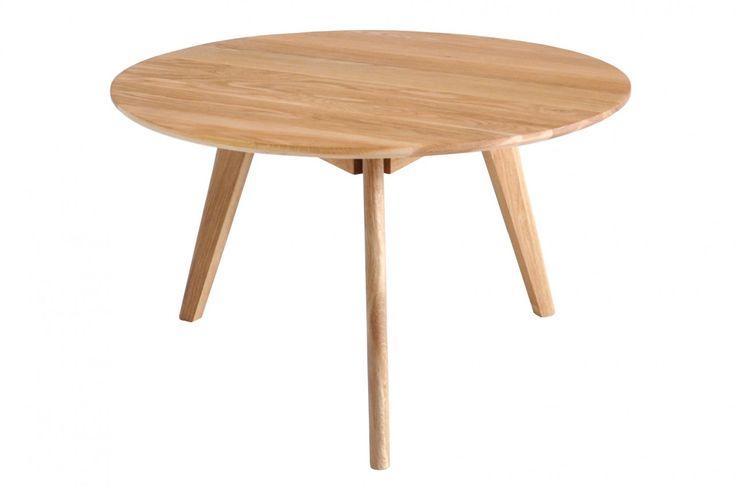 Soffbord Lea i trä, runt soffbord i massiv oljad ek med tre ben. Storlek: 80 cm i diameter.