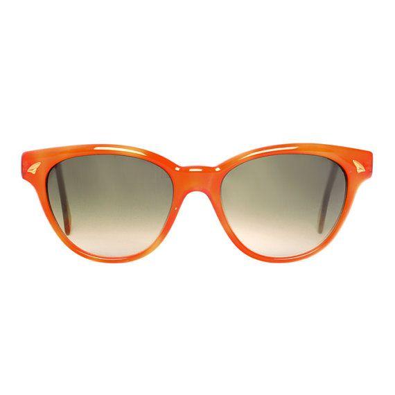 Bonny Naranja wayfarer Vintage Sunglasses by MODvintageshop, $39.00