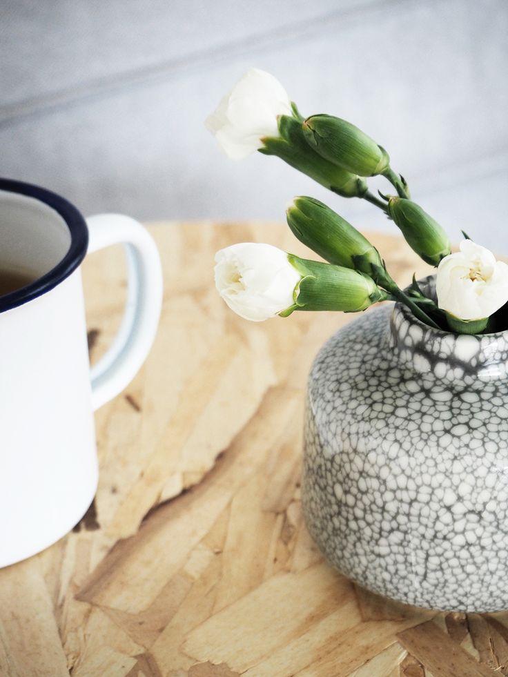 Eine Tasse Tee in der Hand, Kamin-Feuer-Duft in der Nase und zwei zufriedene (nicht streitende!!) Kinder sitzen am Teppich und ...