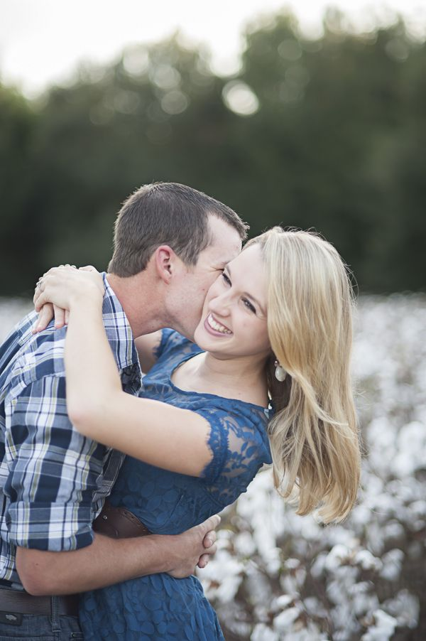 A Dreamy Cotton Field Engagement Holly Frazier Photography www.hollyfrazier.com