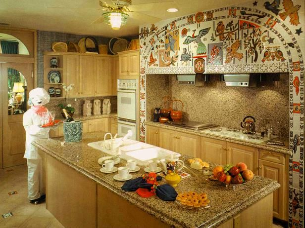 A Kitchen For Bird Lovers.