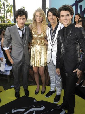 ¿Cuánto mide Joe Jonas? - Altura - Real height B76d53de6887c9dad3ecb6482e775950--mtv-video-music-award-music-awards