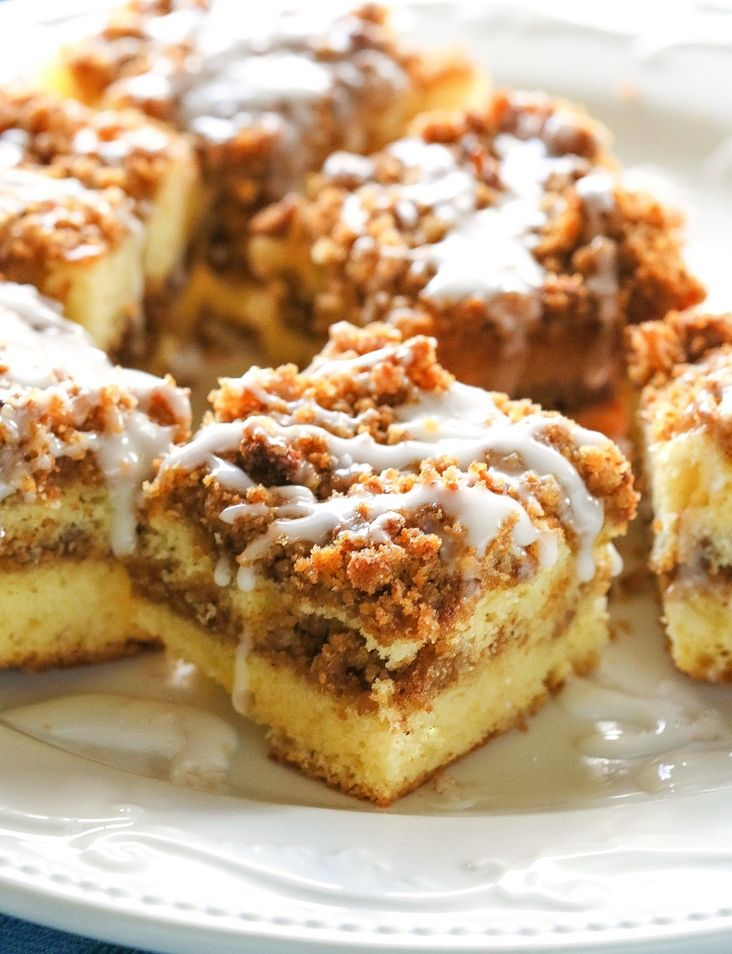 Ingredients    CAKE MIX INSTRUCTIONS    1 box yellow cake mix, I use Betty Crocker with a pudding mix  3 eggs  1 c water  1/3 c butter    TOPPING    3/4 c brown sugar  1 tsp cinnamon  1/2 c pecans  1/4 c flaxseed or another nut as desired    THE DRIZZLE    1