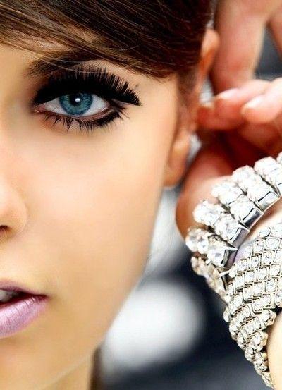 mega lashDiamonds Bracelets, Makeup Tools, Eye Makeup, Dramatic Eye, Fake Lashes, Fake Eyelashes, Beautiful, Blue Eye, Eyemakeup