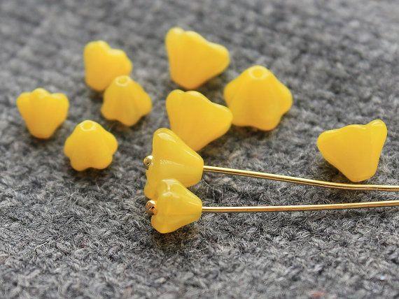 Czech Glass Flower Beads  Set of 50Pc от JewelryBeadsByKatie Czech Glass Beads to create jewelry #beads #glasbeads #beadsupplies #czechbeads #glassbeads