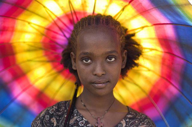 Ethiopian young girlEthiopia Bi Alfred, Gojeb Rivers, Beautiful Ethiopia, Girls Generation, Parasol, Ethiopian Young, Ethiopian Girls, Colors Study, Young Girls