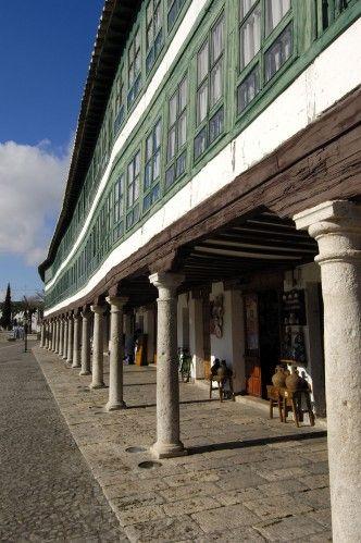 CORRAL DE COMEDIAS El Corral de Comedias de la localidad de Almagro puede presumir de ser el único en España que se ha conservado intacto y en activo desde principios del siglo XVII.
