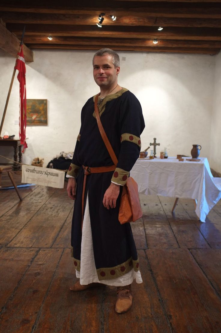 A great example of a late 12th century tunic