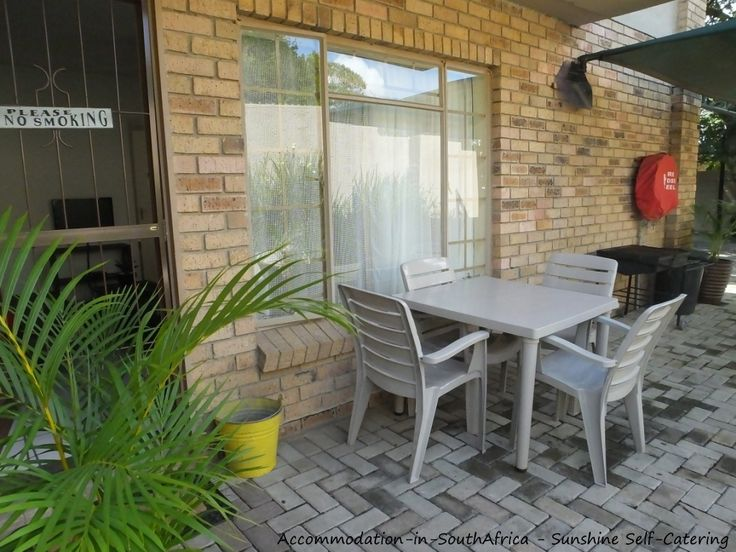Accommodation inn Sunshine Self Catering. http://www.accommodation-in-southafrica.co.za/Mpumalanga/Nelspruit/SunshineSelfCatering.aspx