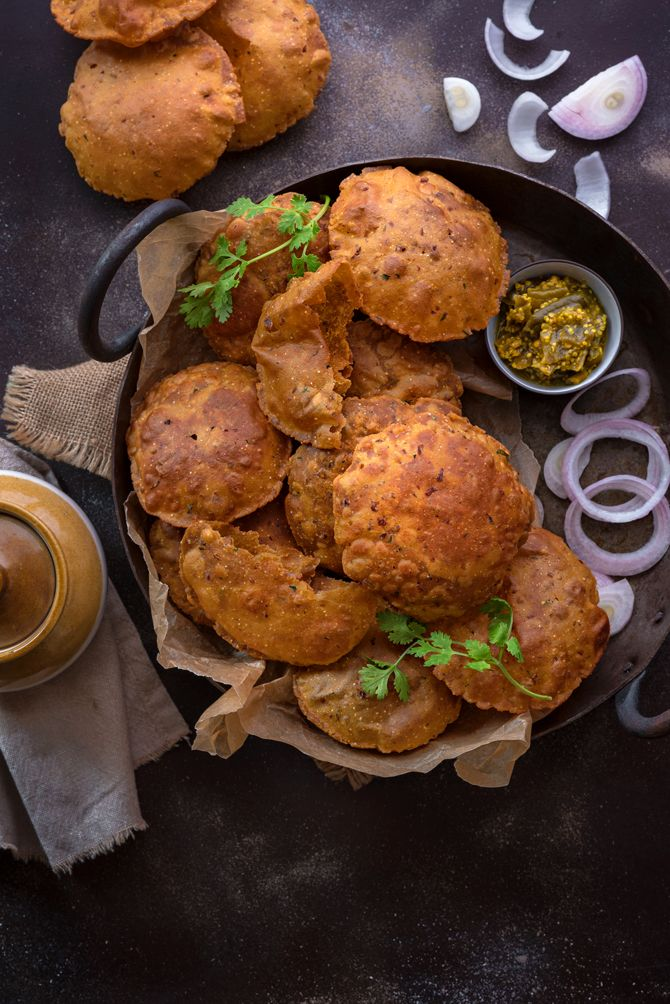 Rajma Masala Poori is a delectable fried puffed bread flavoured with Punjabi Rajma Masala & seasonings.An interesting twist to regular pooris, a must try.