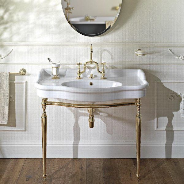Exceptionnel Vintage Style Console Basin On Metal Wash Stand Made With Soft And Delicate  Shapes To Follow
